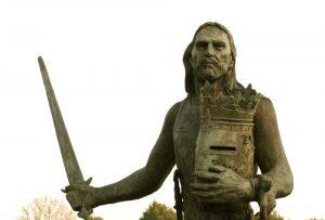 Edward I statue